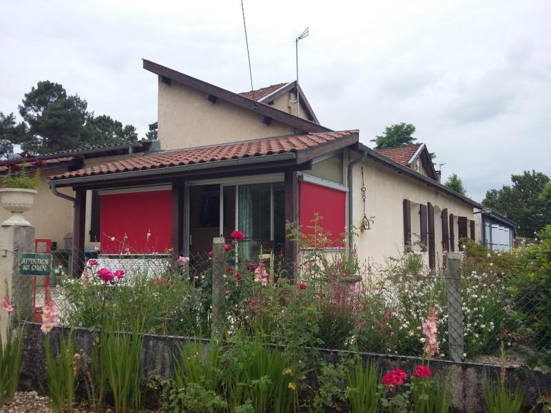 Location maison / villa Castres-gironde 820€ CC - Photo 3