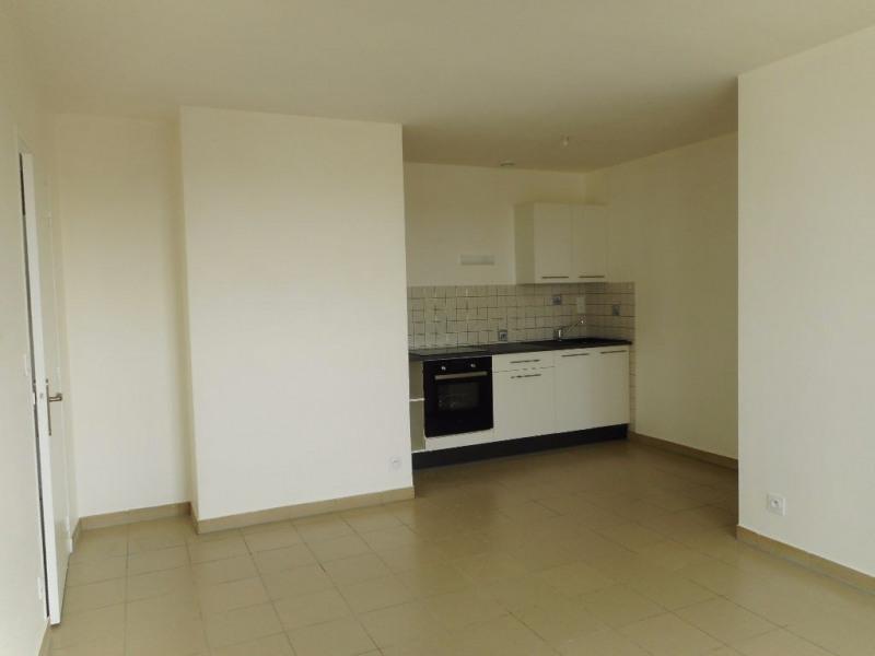 Rental apartment Renaze 450€ CC - Picture 3
