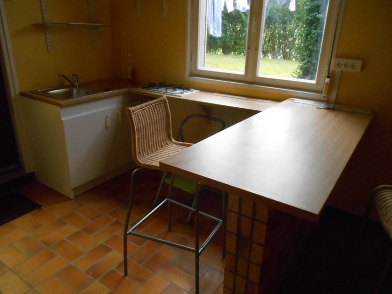Rental apartment Saint quentin 365€ CC - Picture 1
