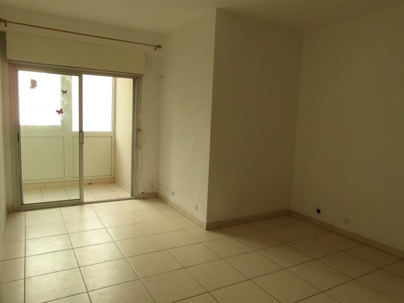Sale apartment St denis camelias 82 650€ - Picture 3