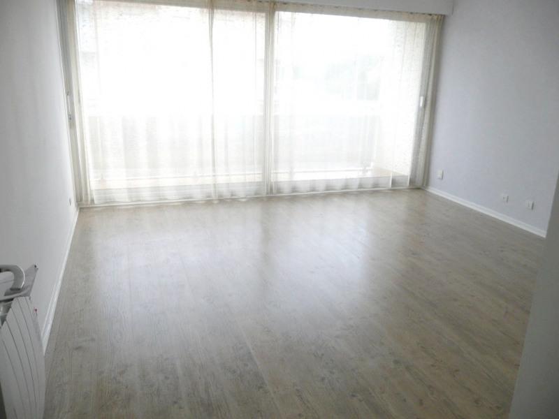 Sale apartment Cucq 74900€ - Picture 2