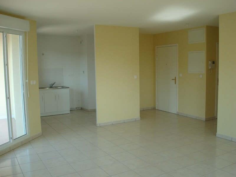 Rental apartment Vaulx milieu 785€ CC - Picture 2