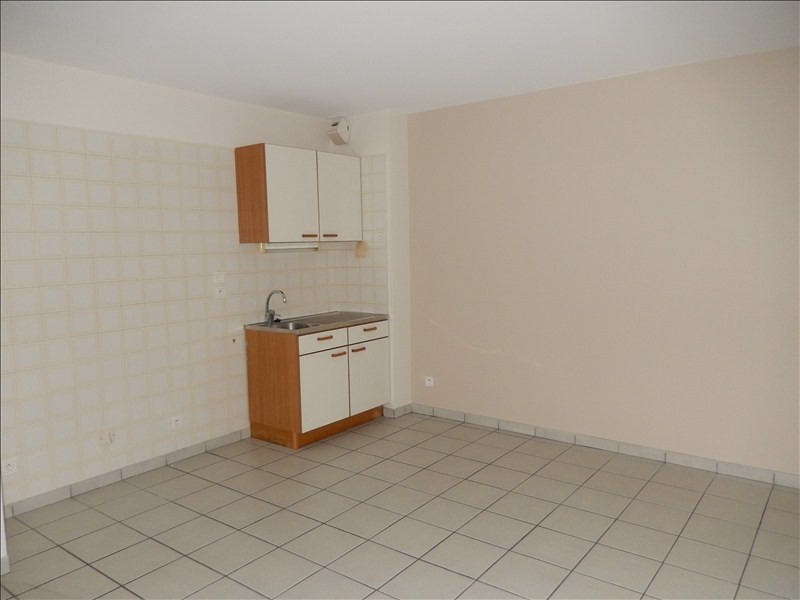 Rental apartment Le puy en velay 252,79€ CC - Picture 2