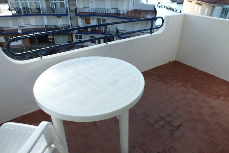 Location vacances appartement Roses santa-margarita 150€ - Photo 3