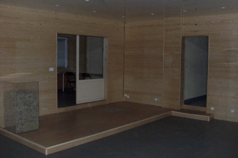 Location local commercial Cholet 1000€ HT/HC - Photo 2