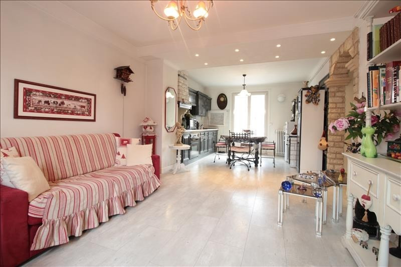Sale apartment Annecy 302000€ - Picture 2