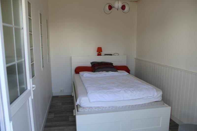 Location maison / villa Larmor plage 580€ CC - Photo 7