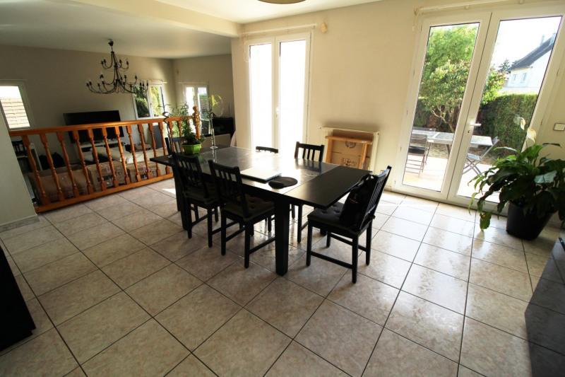 Rental house / villa Maurepas 1896€ CC - Picture 2