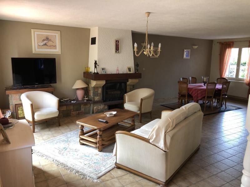 Sale house / villa Estevelles 239000€ - Picture 4