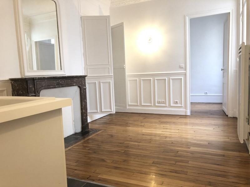 Rental apartment Paris 17ème 1304€ CC - Picture 2