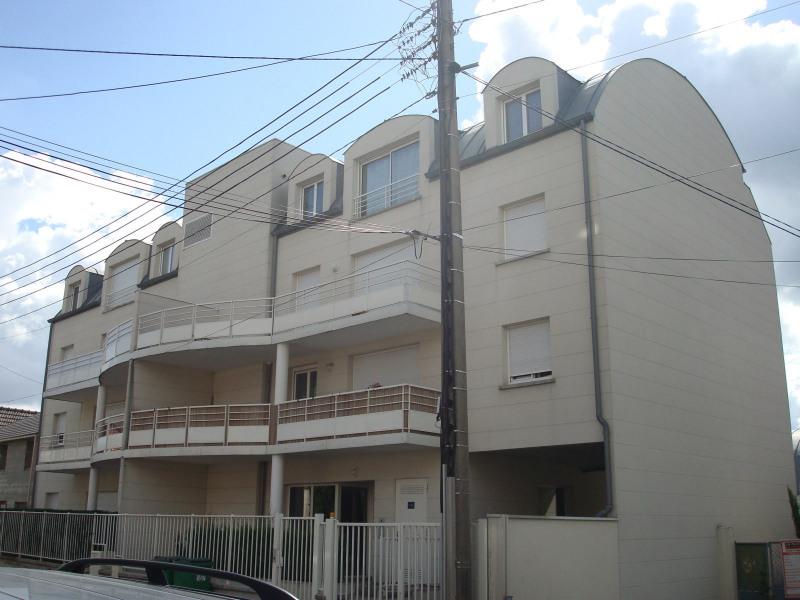 Rental apartment Clichy-sous-bois 1090€ CC - Picture 2