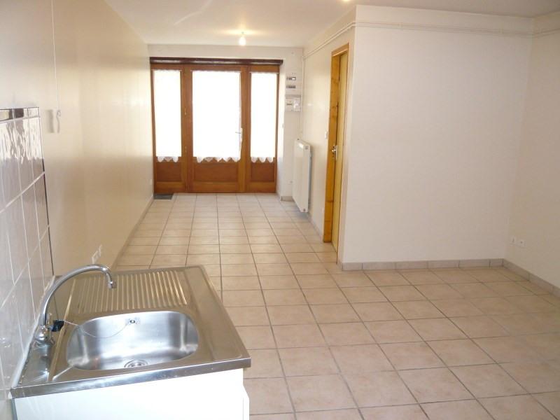 Location appartement Cremieu 392€ CC - Photo 3