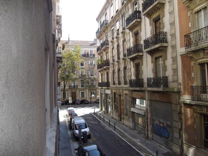 Location appartement Grenoble 800€ CC - Photo 9