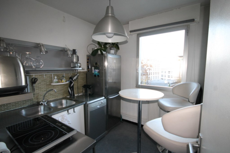 Rental apartment Paris 15ème 1 077€ CC - Picture 2