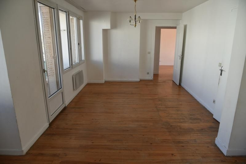 Rental apartment Oyonnax 500€ CC - Picture 2