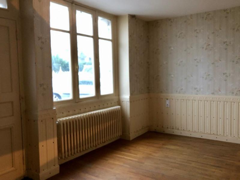 Sale house / villa Renaze 50000€ - Picture 2