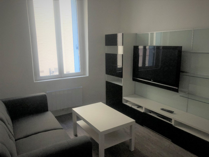 Rental apartment Saint germain en laye 1 050€ CC - Picture 2
