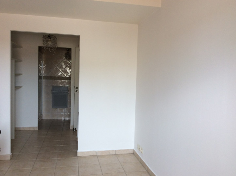Location appartement Fréjus 995€ CC - Photo 8