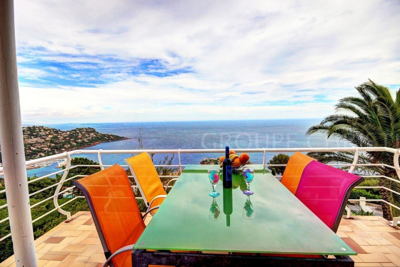 STUNNING SEA VIEW VERY QUIET AND SECURE LOCATION VERY SUNNY 3BEDROOM VILLA