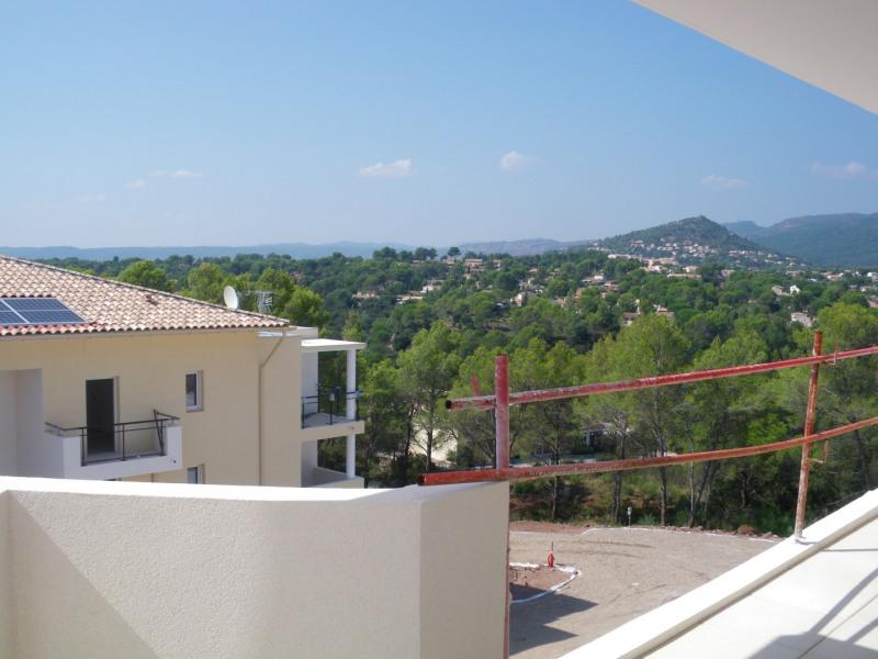 Location appartement Roquebrune-sur-argens 1120€ CC - Photo 1