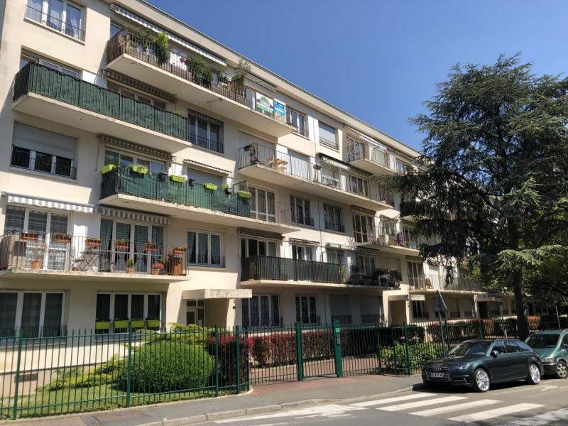 Rental apartment Le plessis-bouchard 958€ CC - Picture 1