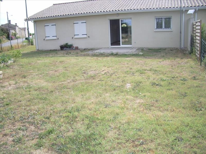 Location maison / villa St andre de cubzac 818€ CC - Photo 2