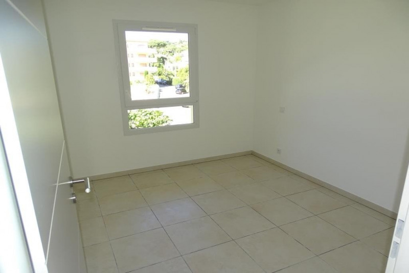Sale apartment Ste maxime 565 000€ - Picture 3