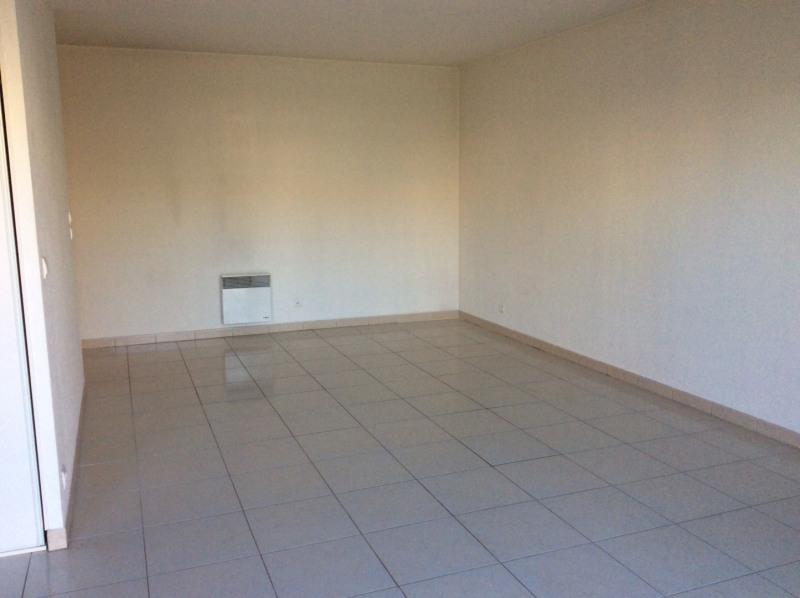 Rental apartment Fréjus 760€ CC - Picture 2