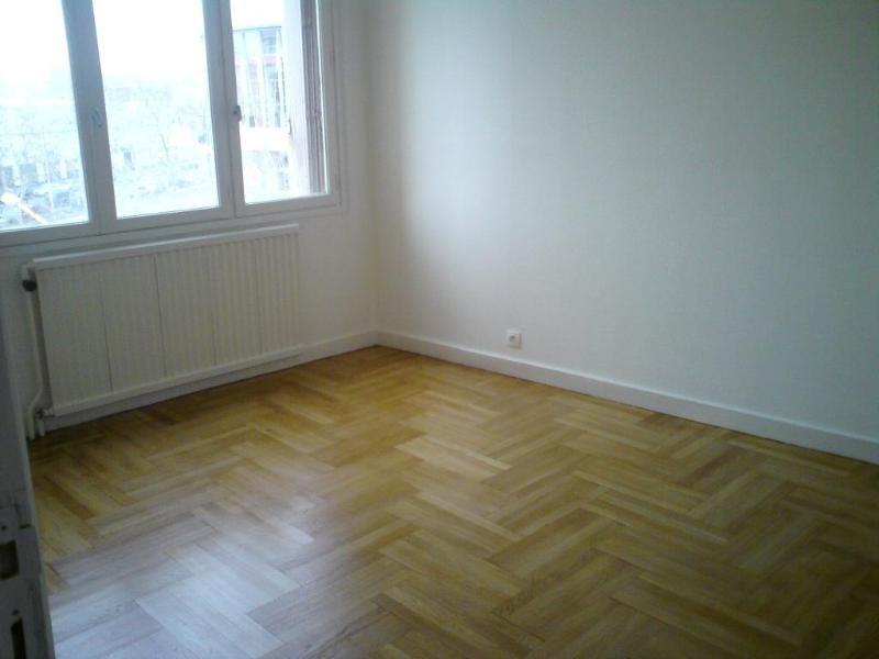 Rental apartment Lyon 8ème 795€ CC - Picture 8