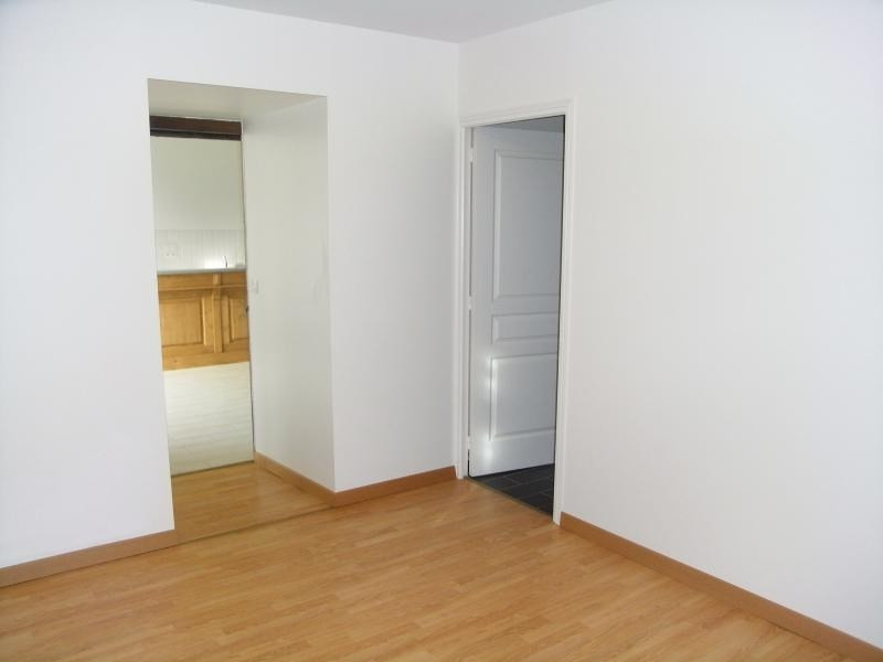 Location appartement Le genest st isle 530€ CC - Photo 8
