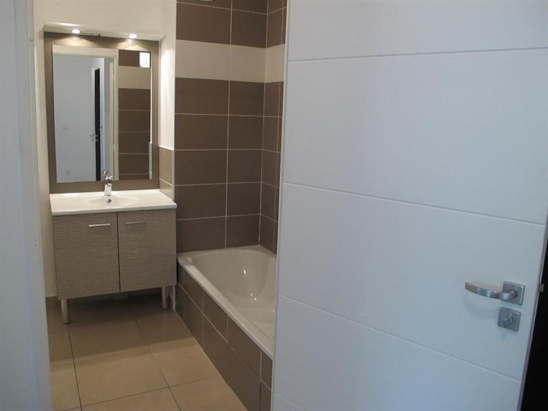 Sale apartment Tassin la demi lune 231000€ - Picture 1