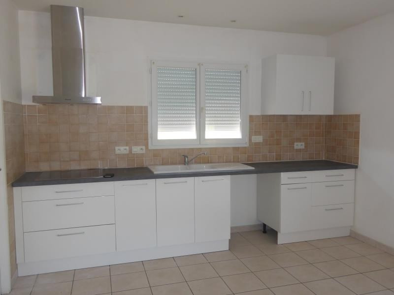 Rental house / villa St nauphary 910€ CC - Picture 3