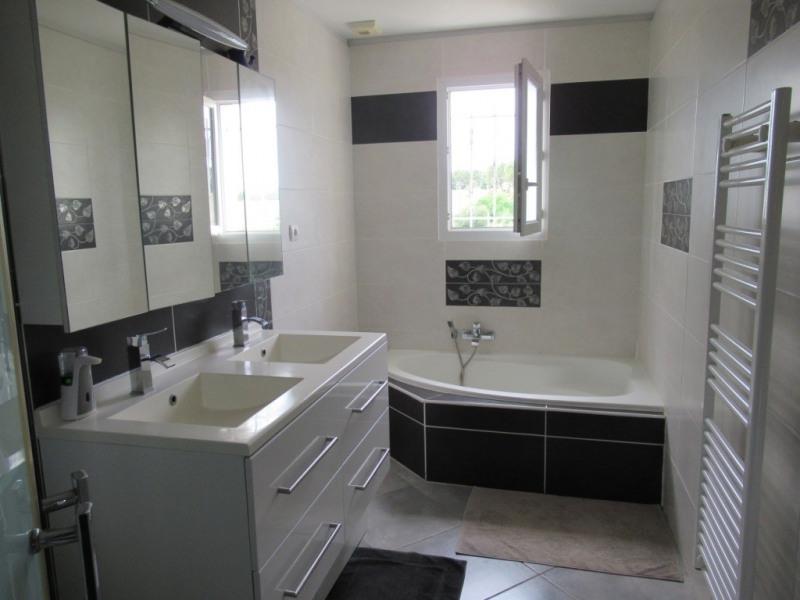 Sale house / villa Ginestet 254500€ - Picture 6