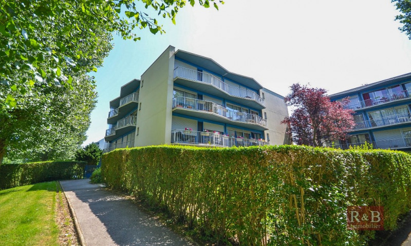 Sale apartment Plaisir 159 000€ - Picture 1