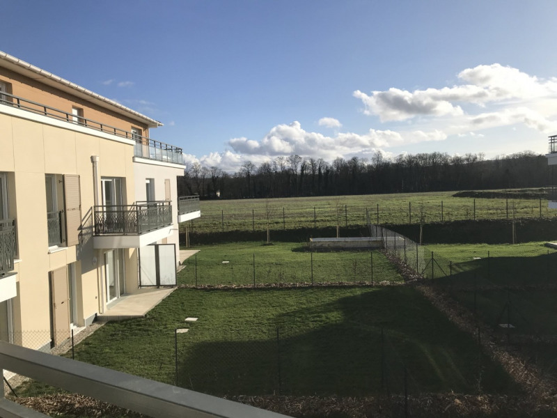 Rental apartment Villennes sur seine 1 310€ CC - Picture 1