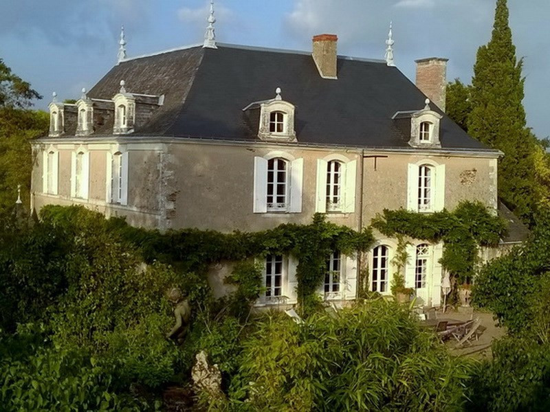 Deluxe sale house / villa Angers 25 mn sud 945 000€ - Picture 2