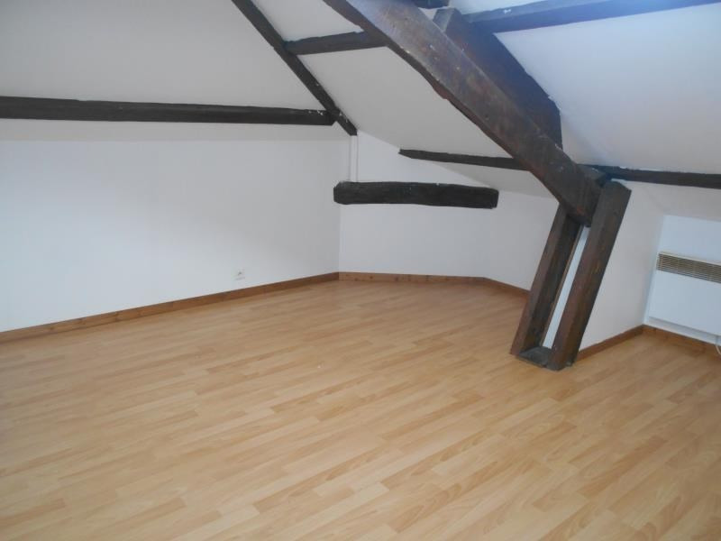 Sale apartment Les abrets 78000€ - Picture 2