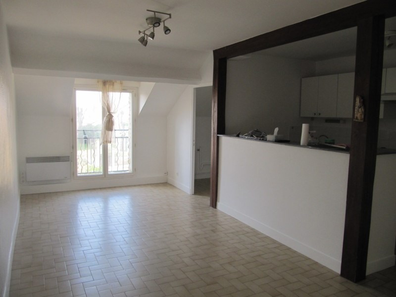 Rental apartment Echarcon 750€ CC - Picture 2