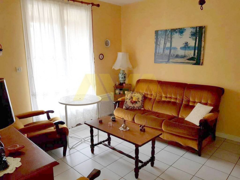 Sale apartment Oloron-sainte-marie 84 000€ - Picture 3