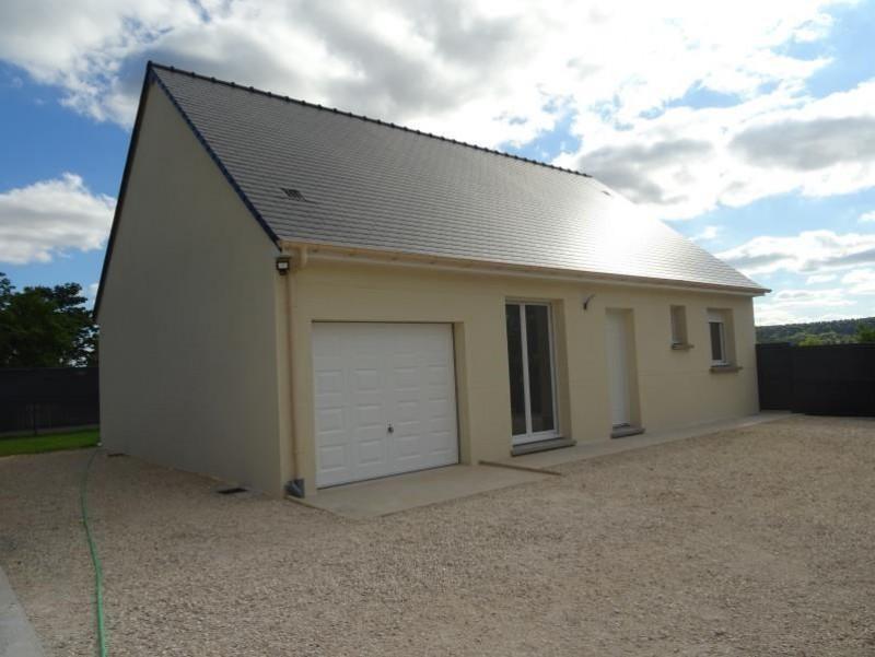 Sale house / villa Breval 220000€ - Picture 1