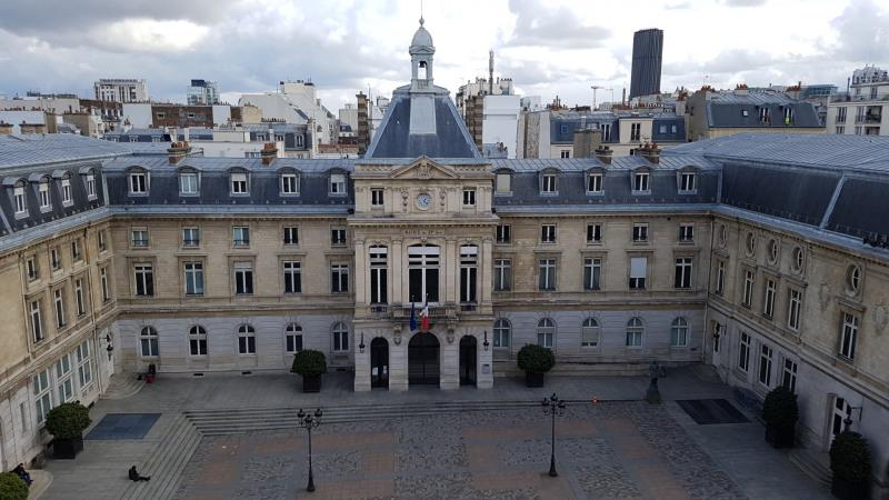 Location appartement Paris 15ème 1900€ CC - Photo 2