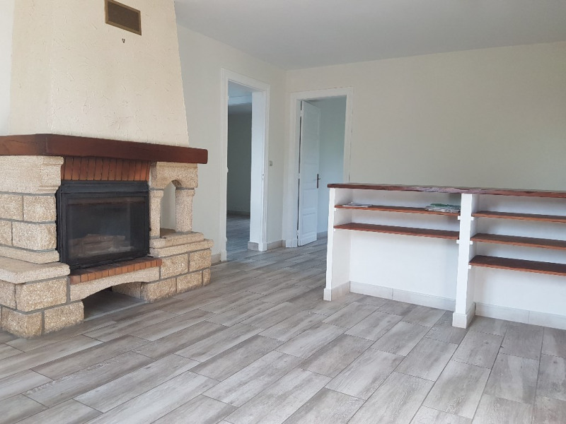 Location maison / villa Sarron 720€ CC - Photo 3