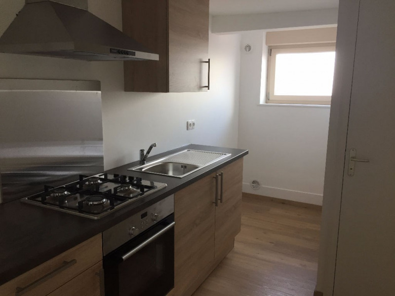 Rental apartment St omer 422€ CC - Picture 3