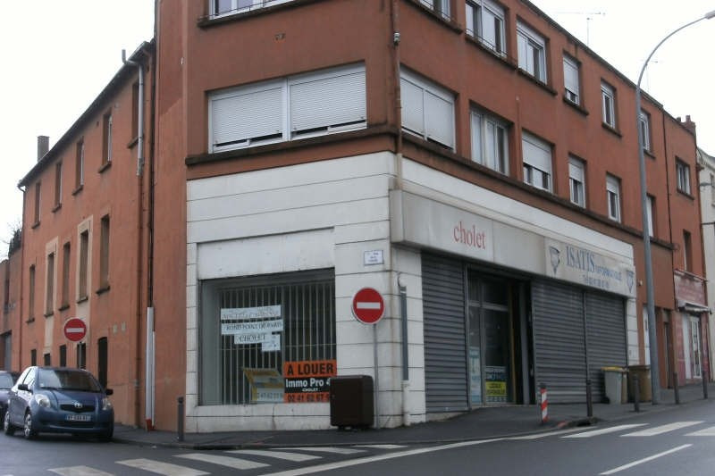 Location local commercial Cholet 2 000€ HT/HC - Photo 2