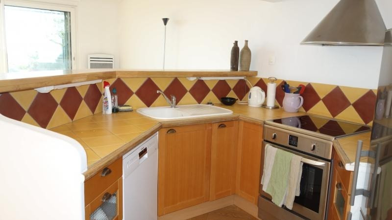 Sale apartment Eguilles 375000€ - Picture 5