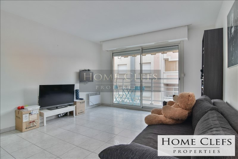 Sale apartment Cannes la bocca 159 000€ - Picture 2