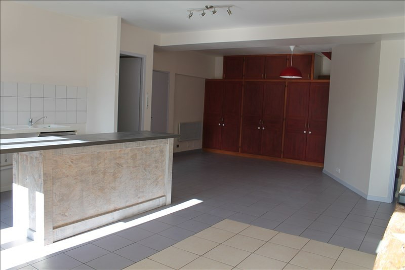 Rental apartment Langon 663€ CC - Picture 1