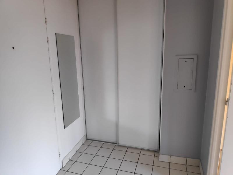 Location appartement St germain en laye 957€ CC - Photo 5
