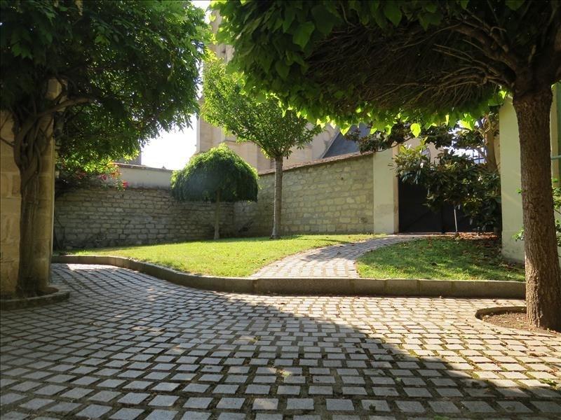 Rental house / villa Le mesnil le roi 3850€ CC - Picture 2