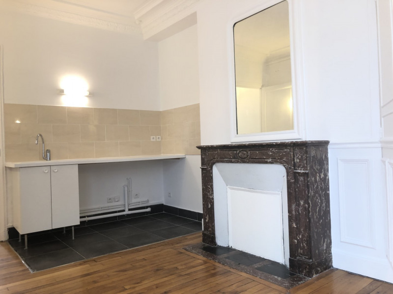Rental apartment Paris 17ème 1304€ CC - Picture 3